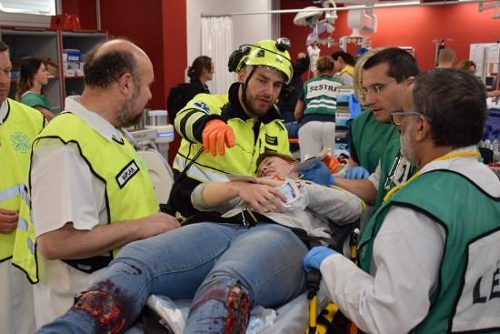 ÚVN cvičila hromadný příjem zraněných: z nehody na letišti dopravila záchranka do ÚVN 24 zraněných